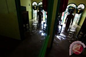27 lokasi banjir dan pengungsian di Jakarta Barat pada Minggu pagi
