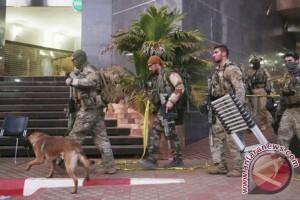 Pria ini sengaja tabrak tentara penjaga masjid di Prancis