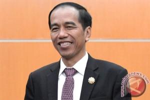 Presiden Jokowi tinjau anjungan Indonesia di COP21
