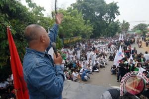 Buruh Tangerang minta SK penetaman UMK direvisi