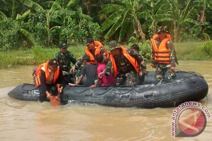 DAS Ciujung meluap, ratusan warga Rangkasbitung mengungsi