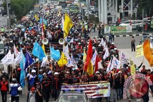 Mogok nasional hari pertama Bekasi kondusif