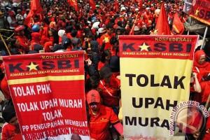 Sudah ribuan buruh Karawang di-PHK sepanjang 2015