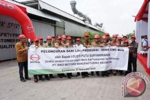Hino produksi kembali bus berbahan gas