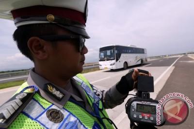 Polisi lacak pengendara motor nekat masuk tol