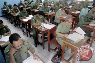 Panitia lelang jabatan gelar tes narkoba seluruh cakasek Makassar