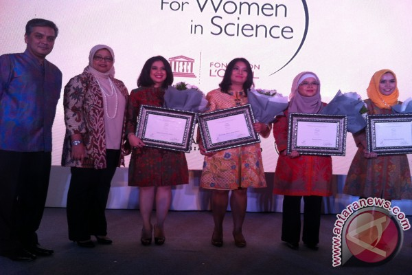 Empat ilmuwan dianugerahi dukungan penelitian UNESCO L'Oreal