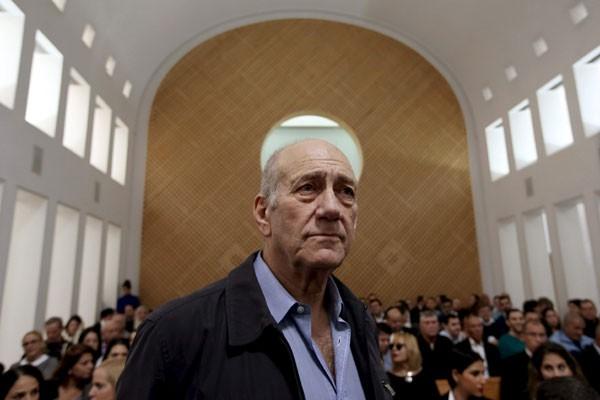 Mantan PM Israel Ehud Olmert masuk penjara karena korupsi
