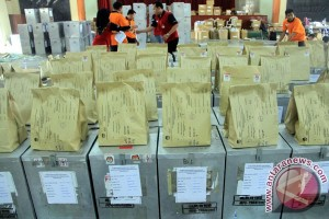 Simultaneous regional head elections to run peacefully