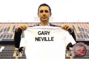 Barcelona lawan pertama Gary Neville
