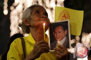 Thais celebrate 70 year of King`s reign, but anxious about his health