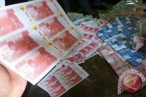 Polda Jawa Tengah musnahkan uang palsu Rp2,4 miliar
