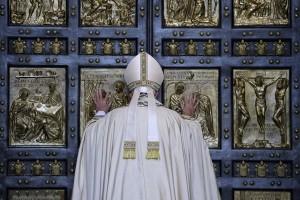 Paus kritik keras perlakuan terhadap Rohingya