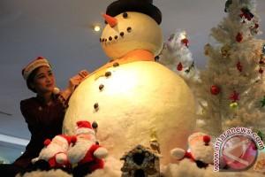 Menunggu Natal di panti jompo