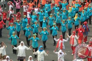 Gerak jalan berbusana kebaya catat rekor MURI di Hari Kartini