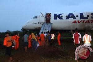 Pesawat Kalstar Tergelincir