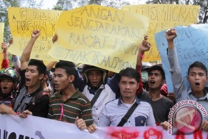 Tolak Penempatan Transmigran