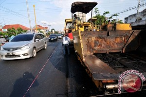 Jalur Pantura Situbondo diperbaiki jelang arus mudik