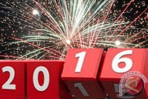 Jalan Kendari padat pada malam Tahun Baru