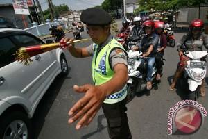 Polisi Kediri gunakan terompet atur lalu lintas