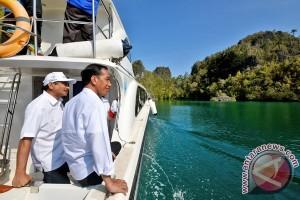 "Jokowi ""tahun baru-an"" di Raja Ampat"