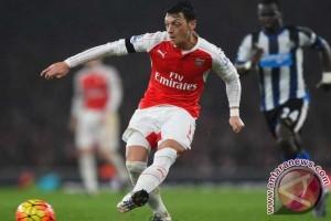 Kalahkan Watford 3-1, Arsenal raih kemenangan pertama