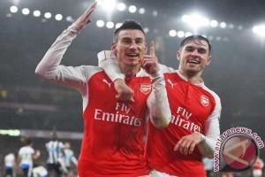 Arsenal tanpa dua pemain bertahan di final Piala FA