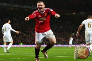 Wayne Rooney setara dengan tiga legenda sepak bola Inggris