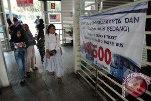 Transjakarta sediakan bus pengumpan dari Stasiun Tebet