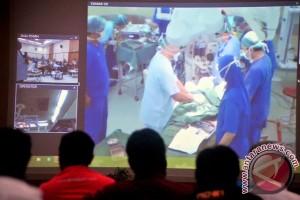 RSUD Soetomo operasi pemanjangan tulang tengkorak pertama