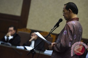 Sampaikan pledoi, Suryadharma sanjung SBY