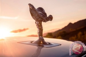 Penjualan Rolls-Royce 2015 terbesar kedua sepanjang sejarah
