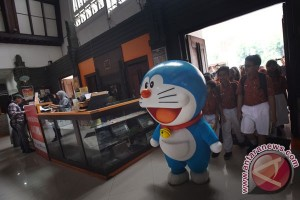 Doraemon Kenalkan Filateli
