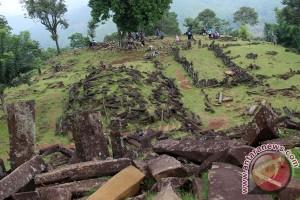 Perayaan Hari Buruh di Gunung Padang