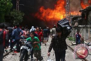 Kampung Bandan di Jakarta Utara terbakar