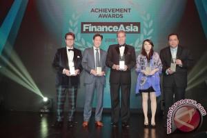 """PT HM Sampoerna Tbk raih penghargaan """"Best Indonesia Deal 2015"""" dari FinanceAsia"""