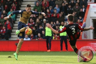 Tekuk Bournemouth 2-0, Arsenal geser City