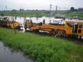 Perbaikan Rel KA Yang Terendam Banjir