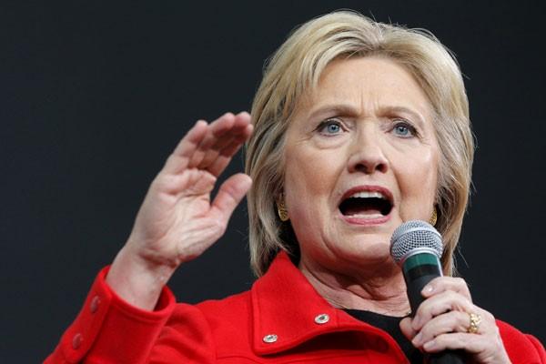 FBI Buka Lagi Penyelidikan Kasus Surat Elektronik Hillary Clinton