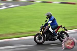 Test Ride Yamaha Xabre 150