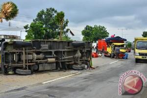 Kecelakaan Akibat Ban Pecah