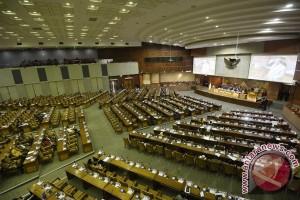 DPR tunda pengambilan keputusan soal Perppu Perlindungan Anak