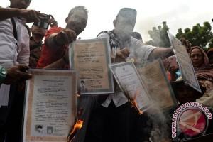 Demo Ijazah Palsu Bupati Terpilih