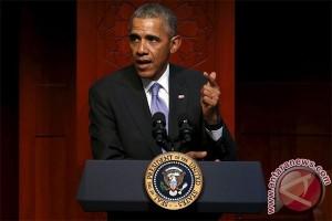 Obama ejek Donald Trump karena lebih suka Twitter ketimbang solusi