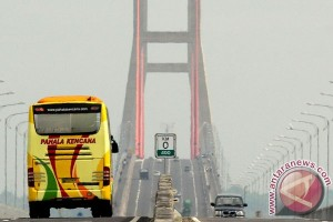Jalur Sampang-Bangkalan macet hingga 2 kilometer