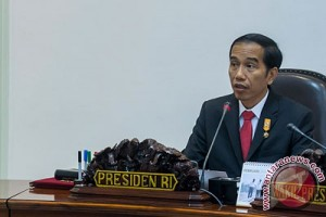 Presiden ingin percepat pembangunan kereta ringan LRT