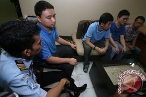 Imigrasi Tanjung Perak deportasi lima WNA