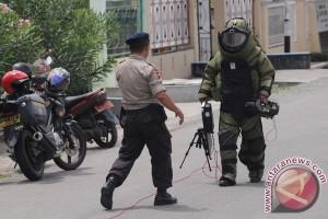 Gegana amankan tas mencurigakan di Semarang