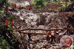 Seluruh korban tertimbun longsor Purworejo ditemukan