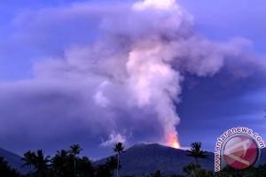 Darurat Gunung Soputan belum dicabut